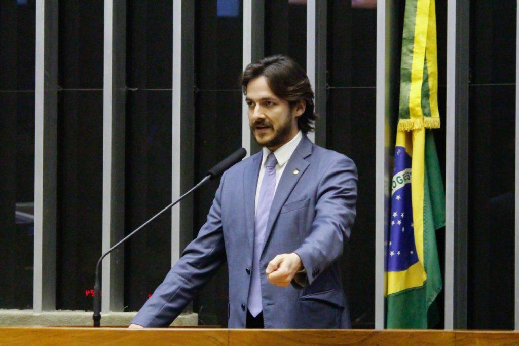 Pedro ministra palestra sobre desafios para a educação brasileira durante lançamento de cursos de pós-graduação