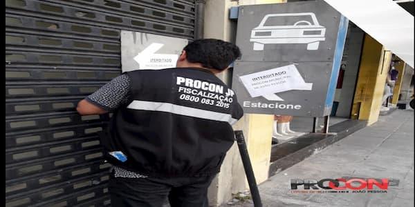 Procon-JP interdita estacionamento por falta de alvará de funcionamento e licença do Corpo de Bombeiros