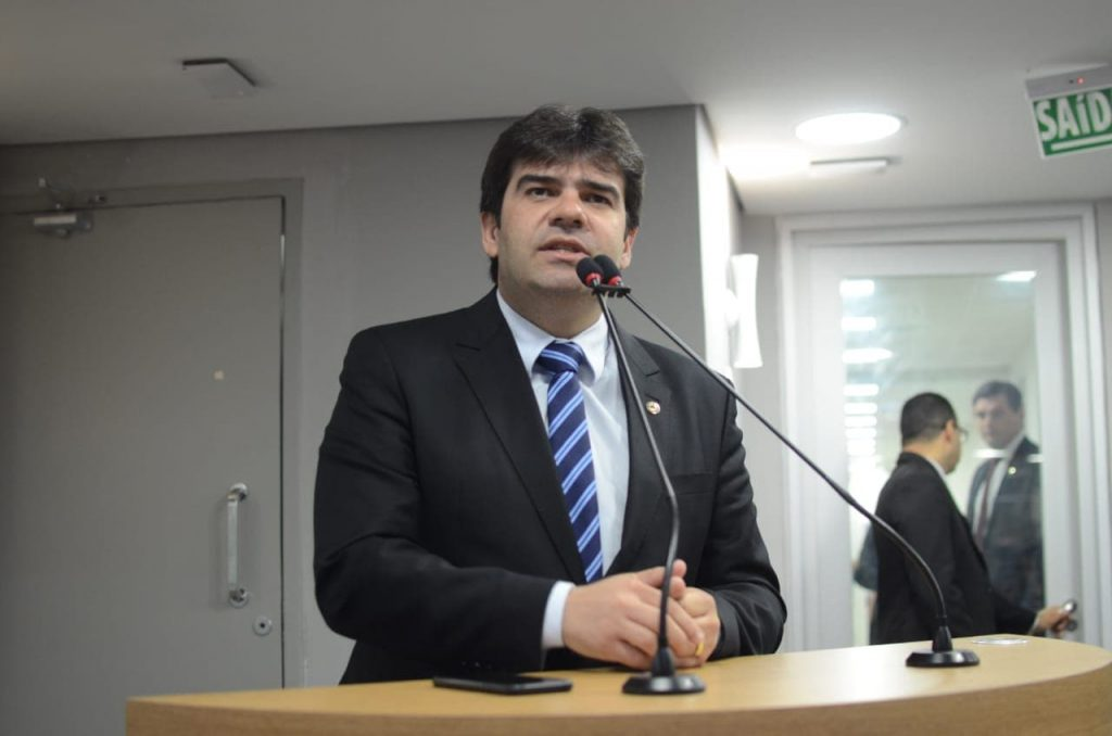 Eduardo lamenta manutenção do veto a projeto que barrava contratação de ficha suja no Governo do Estado