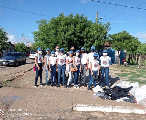"""Polícia Militar realiza campanha """"Amigos do Rio Piranhas"""", com alunos da PMSOL na cidade de São Bento"""