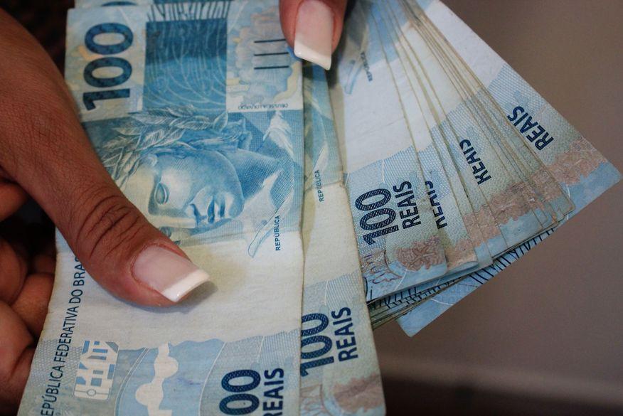 Estado paga salários de abril dos servidores na quinta e sexta-feira