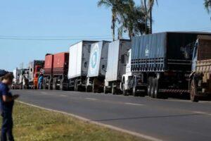 Contra alta de preços dos combustíveis, caminhoneiros convocam greve para 25 de julho