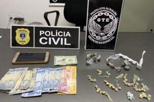 Polícia prende suspeita de comercializar drogas dentro de ginásio esportivo na PB