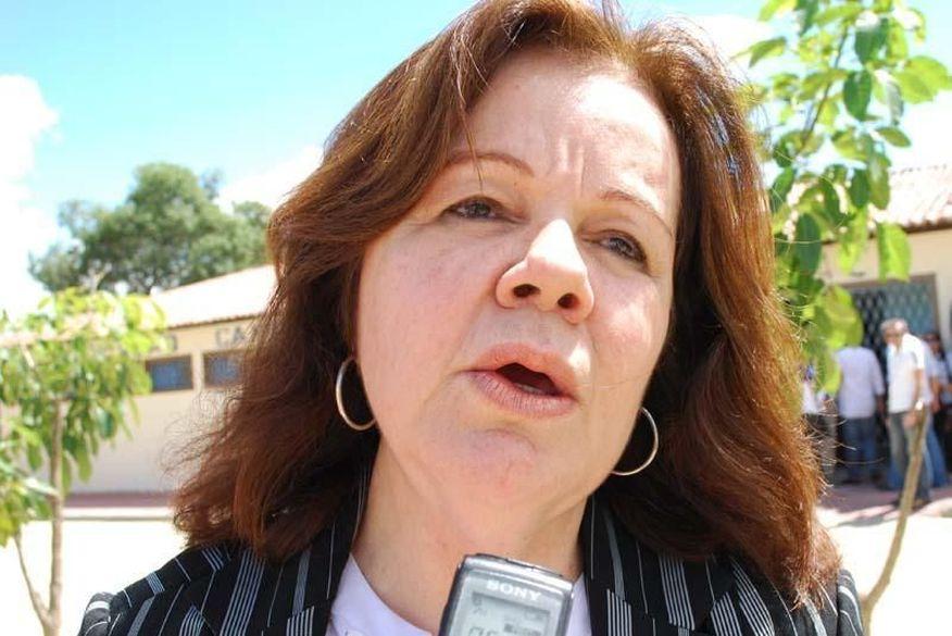 Ex-prefeita de Campina Grande, Cozete Barbosa, é internada com intoxicação no Hospital de Trauma