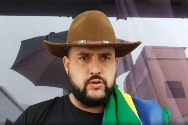 Articulador de atos no 7 de setembro, Zé Trovão alega perseguição e pede asilo político no México